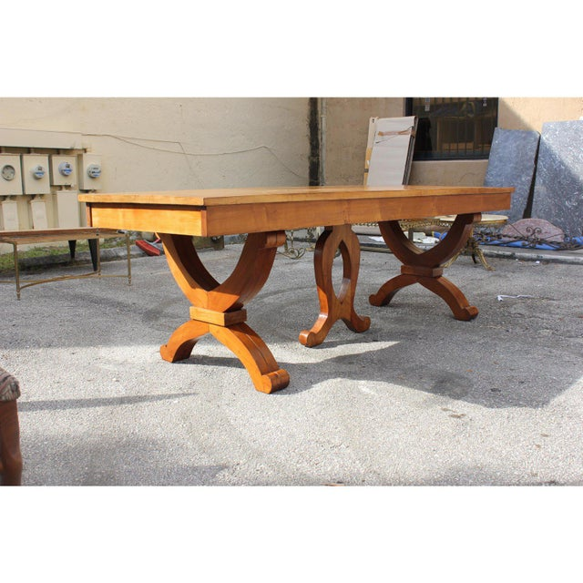 1940s French Country Solid Sycamore Tulip Base Dining Table For Sale - Image 4 of 13