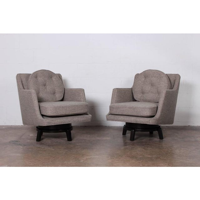 Mid-Century Modern Pair of Swivel Chairs by Edward Wormley for Dunbar For Sale - Image 3 of 10