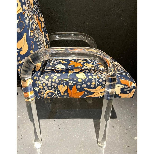 Blue Mid-Century Modern Set of Four Chairs, Tubular Lucite Frames For Sale - Image 8 of 13