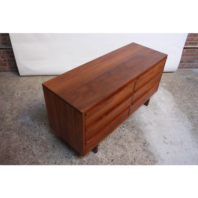 1980s Vintage New England Solid Walnut Chest of Drawers For Sale - Image 5 of 11