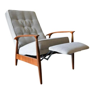 1950s Milo Baughman for James, Inc. Sculpted Walnut Reclining Lounge Chair For Sale