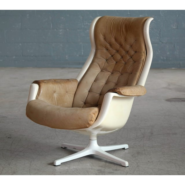 Mid-Century Modern Model Galaxy Space Age Swivel Lounge Chair in Leather by Alf Svensson for Dux For Sale - Image 3 of 9