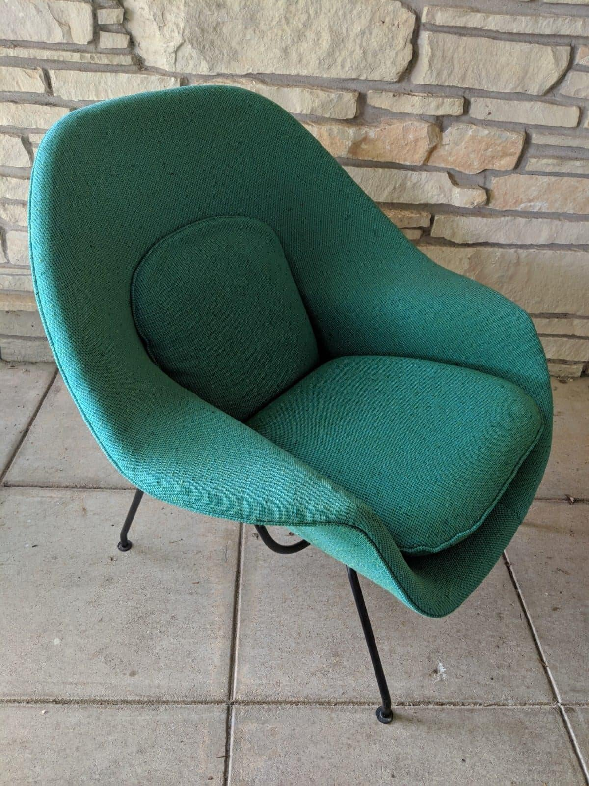 Knoll 1960s Eero Saarinen Knoll Aquamarine Upholstered Womb Chair For Sale    Image 4 Of 4