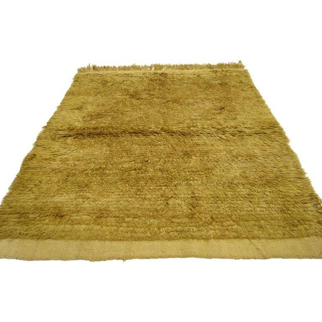 73979, Mid-Century Modern style vintage Turkish rug, Angora wool. This hand-knotted angora wool shag accent rug features a...