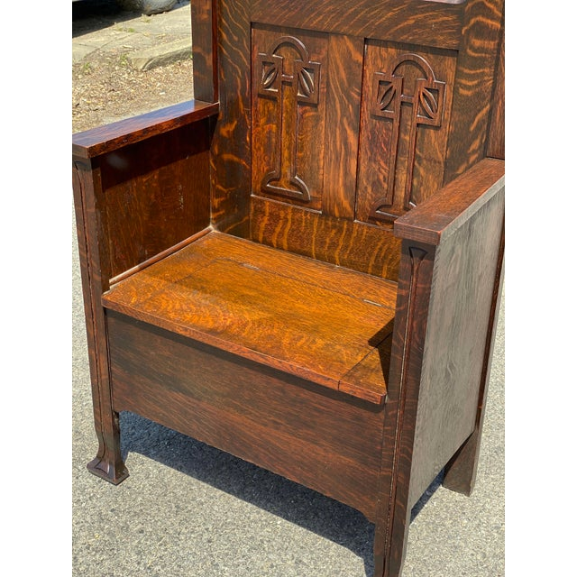 1920s Antique Arts & Crafts Quartersawn Oak Carved Hall Tree Bench W/ Mirror For Sale - Image 5 of 13