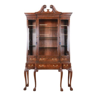 Baker Furniture Stately Homes Collection Chippendale Carved Walnut Breakfront Display Cabinet or Bookcase For Sale