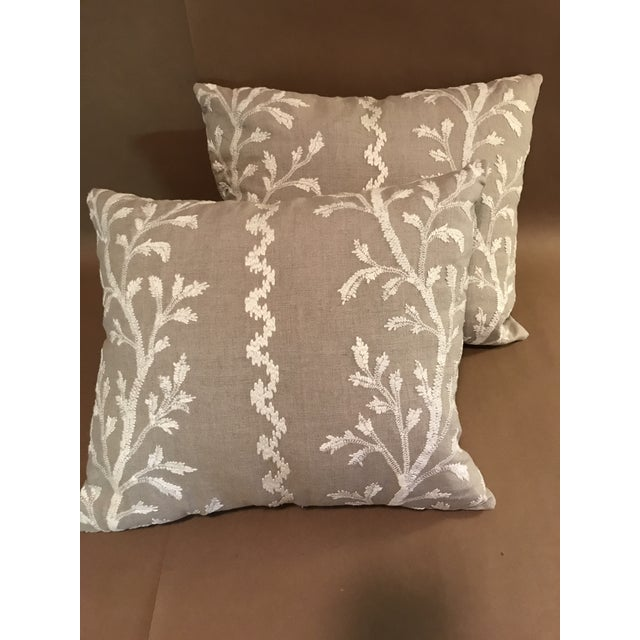"""Belgian Swedish Brunschwig & Fils Pillows in """"Sea Vine"""" Wheat - a Pair For Sale - Image 3 of 10"""