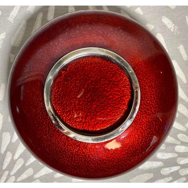 1960s Sato Cloisonné Pigeons Blood & Silver Lotus Ginbari Vase Bowl For Sale In Saint Louis - Image 6 of 9