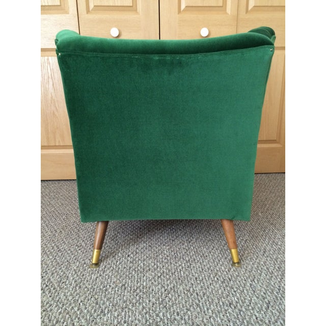 Mid-Century Emerald Velvet Chair For Sale - Image 4 of 7