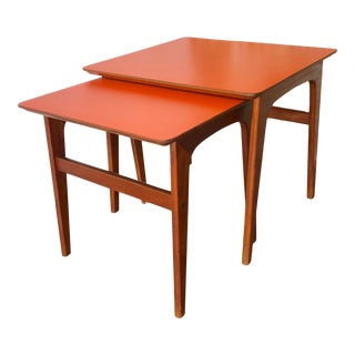Vintage Mid-Century Danish Modern Nesting Tables (Set of Two) For Sale