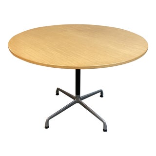Mid-Century Modern Herman Miller Eames Universal Dining Table For Sale