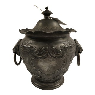 Early 20th Century English Silver Plate Biscuit Barrel For Sale