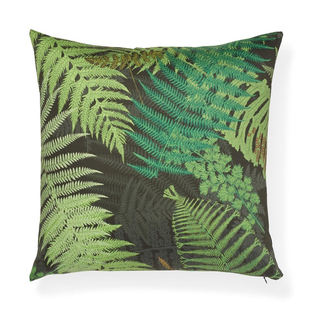 Textile Contemporary Schumacher X Clements Ribeiro Fernarium Pillow in Green & Black - 20ʺw × 20ʺh For Sale - Image 7 of 7