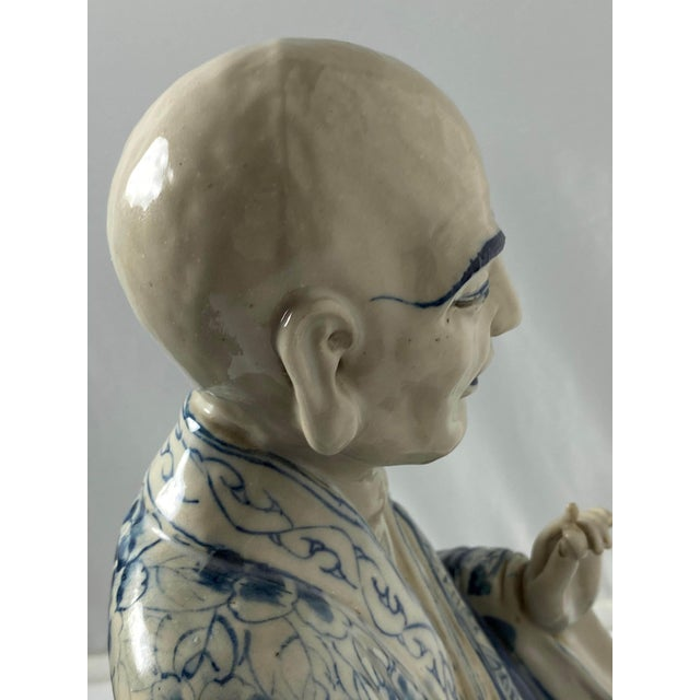 Chinese Blue and White Porcelain Seated Immortals - a Pair For Sale - Image 4 of 10