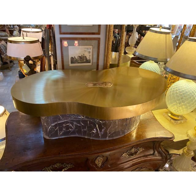 1960s Mid-Century Modern Acrylic and Brass Curved Coffee Table For Sale - Image 11 of 12