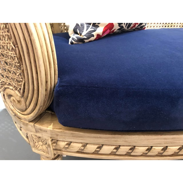 1950s 1950s Vintage Traditional French Provincial Settee For Sale - Image 5 of 12