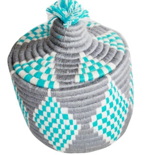 Moroccan Jane Woven Gray and Turquoise Straw Basket For Sale