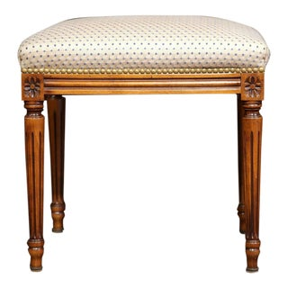 Early 20th Century French Louis XVI Carved Walnut Stool For Sale