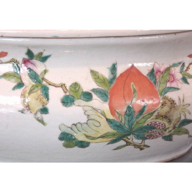 Mid 19th Century Chinese Qing Dynasty Famille Rose Export Tureen For Sale - Image 5 of 7