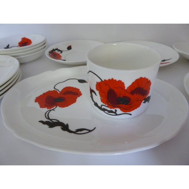"Wedgwood Susie Cooper for Wedgewood ""Corn Poppy"" Luncheon Sets - Set of 17 For Sale - Image 4 of 9"