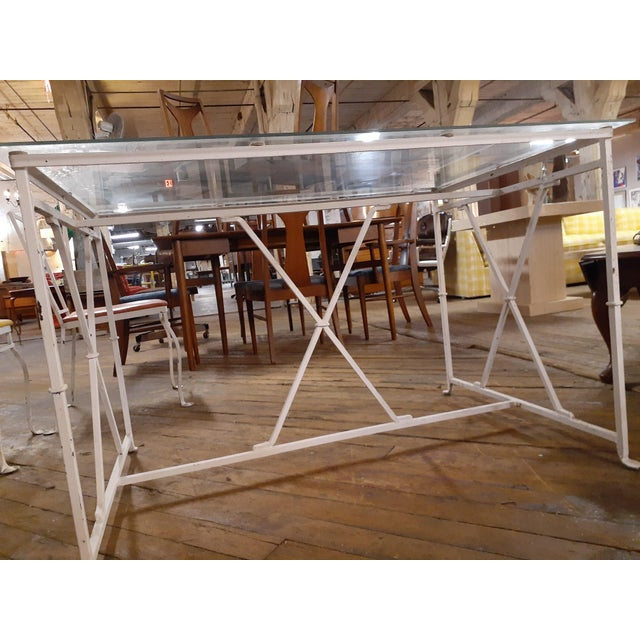 1940s Vintage MCM Salterini Style Seasonal Outdoor Glass Top Table Dining Set - 7 Pieces For Sale - Image 5 of 11