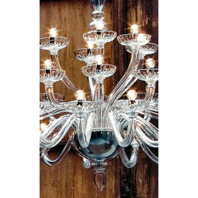 Italian Large Italian Mid-Century Modern 30 Arm Clear Murano / Venetian Glass Chandelier For Sale - Image 3 of 7