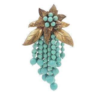 1930s Miriam Haskell Turquoise Bead Flower Dress Clip For Sale