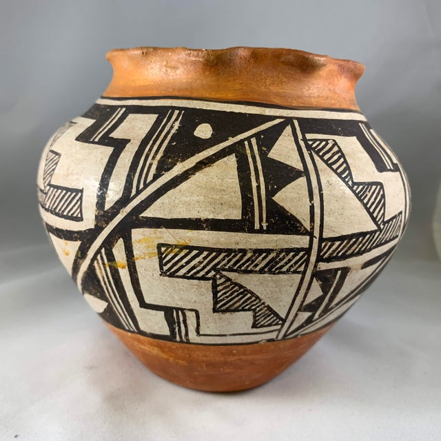 Acoma Pueblo Southwestern Olla Jar For Sale - Image 4 of 12
