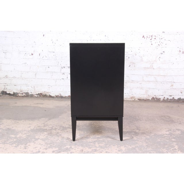 Paul McCobb Planner Group Mid-Century Modern Black Lacquered Six-Drawer Dresser, Newly Restored For Sale - Image 10 of 13