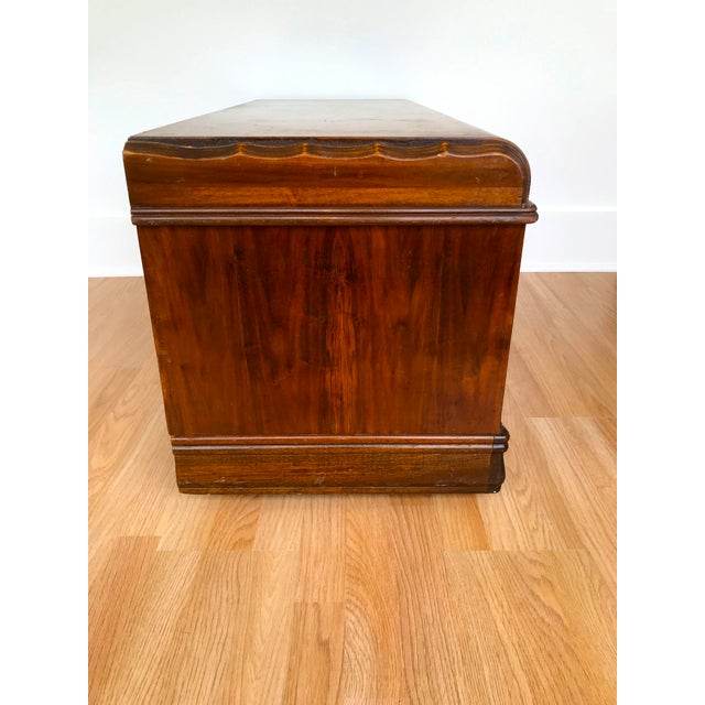 Art Deco Waterfall Storage Trunk For Sale - Image 10 of 13