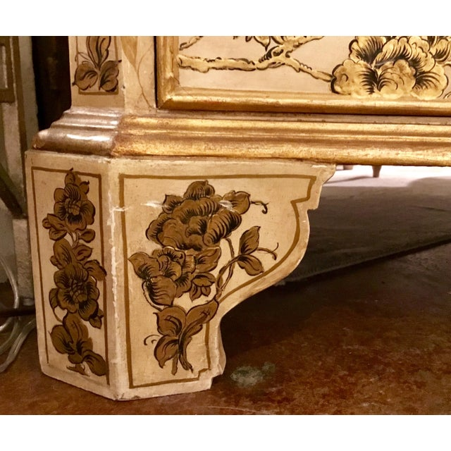 1900 - 1909 Vintage Cream Chinoiserie Painted Chest For Sale - Image 5 of 8
