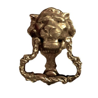 1900s Cast Brass Lion Head Door Knocker With a Rare Scalloped Scrolling Strike Hammer For Sale
