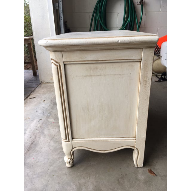 Hickory Manufacturing Company French Nightstands- A Pair - Image 3 of 11