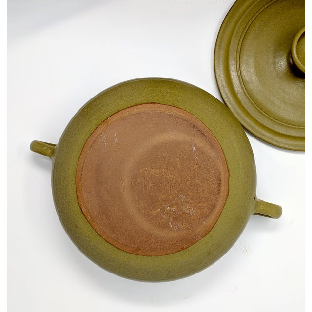 Green 1970s Vintage Wishon-Harrell Pottery Covered Serving Dish For Sale - Image 8 of 10