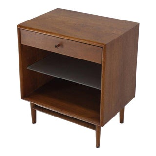 Pair of Walnut One Drawer Nightstands or End Tables For Sale