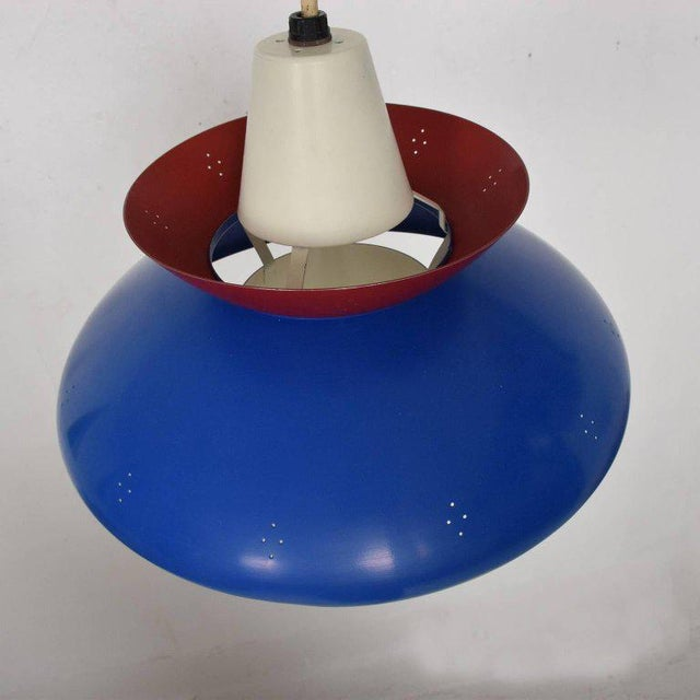 American Mid-Century Modern Pendant Light Sculptural Shape For Sale In San Diego - Image 6 of 10