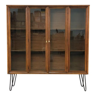 Broyhill Brasilia Mid-Century Modern Display Case With Hairpin Legs