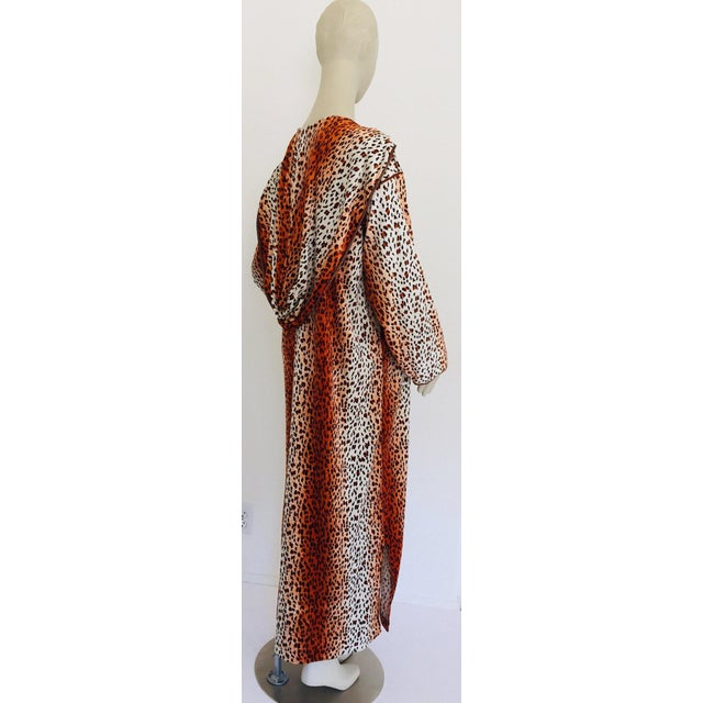 1970s Moroccan Hooded Caftan Animal Print Djellabah Kaftan For Sale - Image 10 of 12