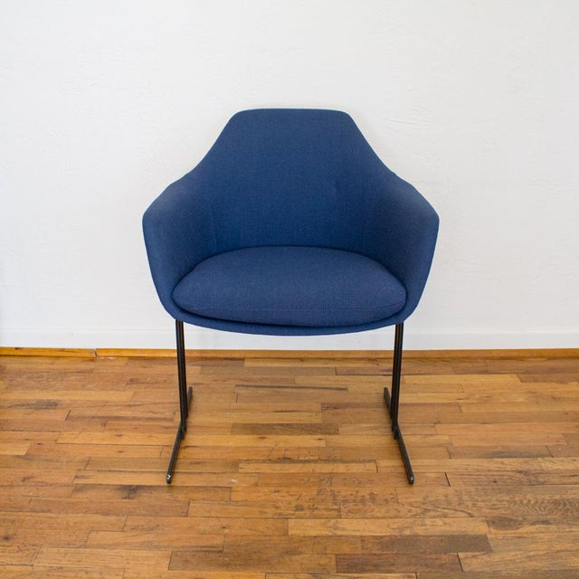 Italian Vecta Chair in Blue Tweed Upholstery, Maurice Burke Fiberglass Shell For Sale - Image 3 of 9
