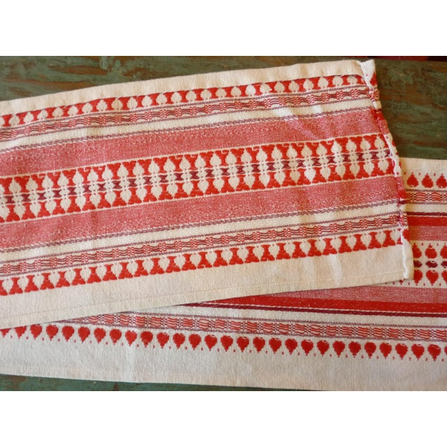 Red and White Table Runner - Image 4 of 6