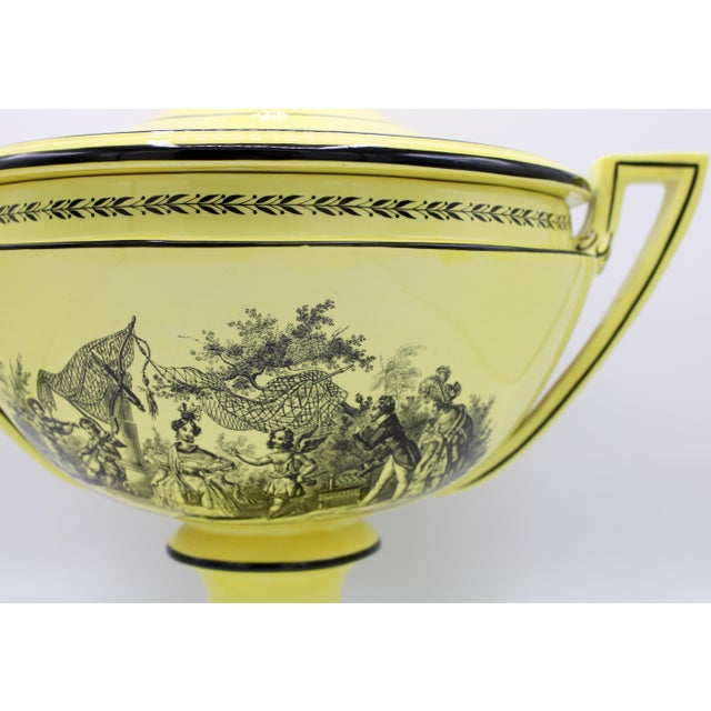 Mid 20th Century Large Mid 20th Century Italian Mottahedeh Yellow Handled Urn With Artichoke Lid For Sale - Image 5 of 13