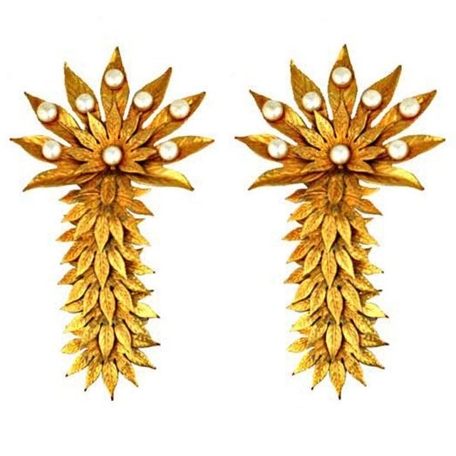 1980s Dominique Aurentis Massive Pearl and Gilt Metal Palm Frond Earclips For Sale - Image 5 of 5