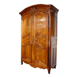 18th Century Walnut Wood Armoire From the Rhone Valley For Sale
