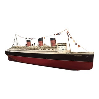 1930s Bassett Lowke Battery Powered Model of the Queen Mary For Sale