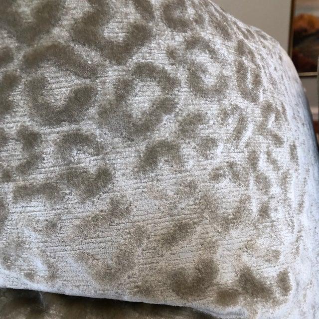"Traditional Kravet ""Divina"" Velvet in Natural 22"" Pillows-A Pair For Sale - Image 3 of 7"