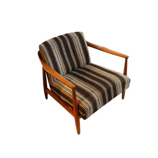 1960s Mid-Century Modern Solid Walnut Lounge Chair