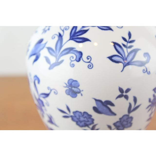 Blue and white Coalport porcelain Chinese style decanter. Circa mid 20th century.