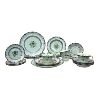 Calyx Ware Dinner Service for 4 - 23 Pieces For Sale