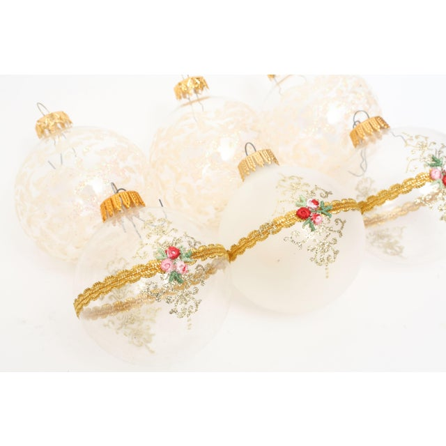Boho Chic 1960s Mid-Century White Christmas Ornaments w/Box - Set of 6 For Sale - Image 3 of 8