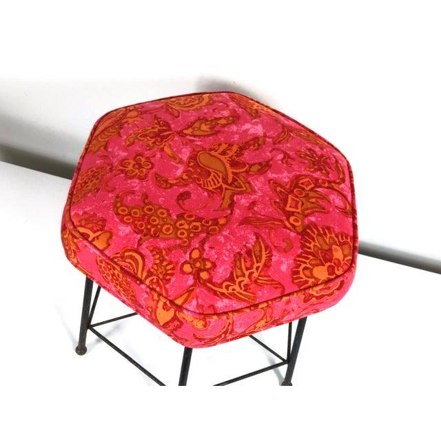 Vintage 1950's Modernist Pink and Orange Velvet Iron Footstool / Ottoman For Sale In Detroit - Image 6 of 9